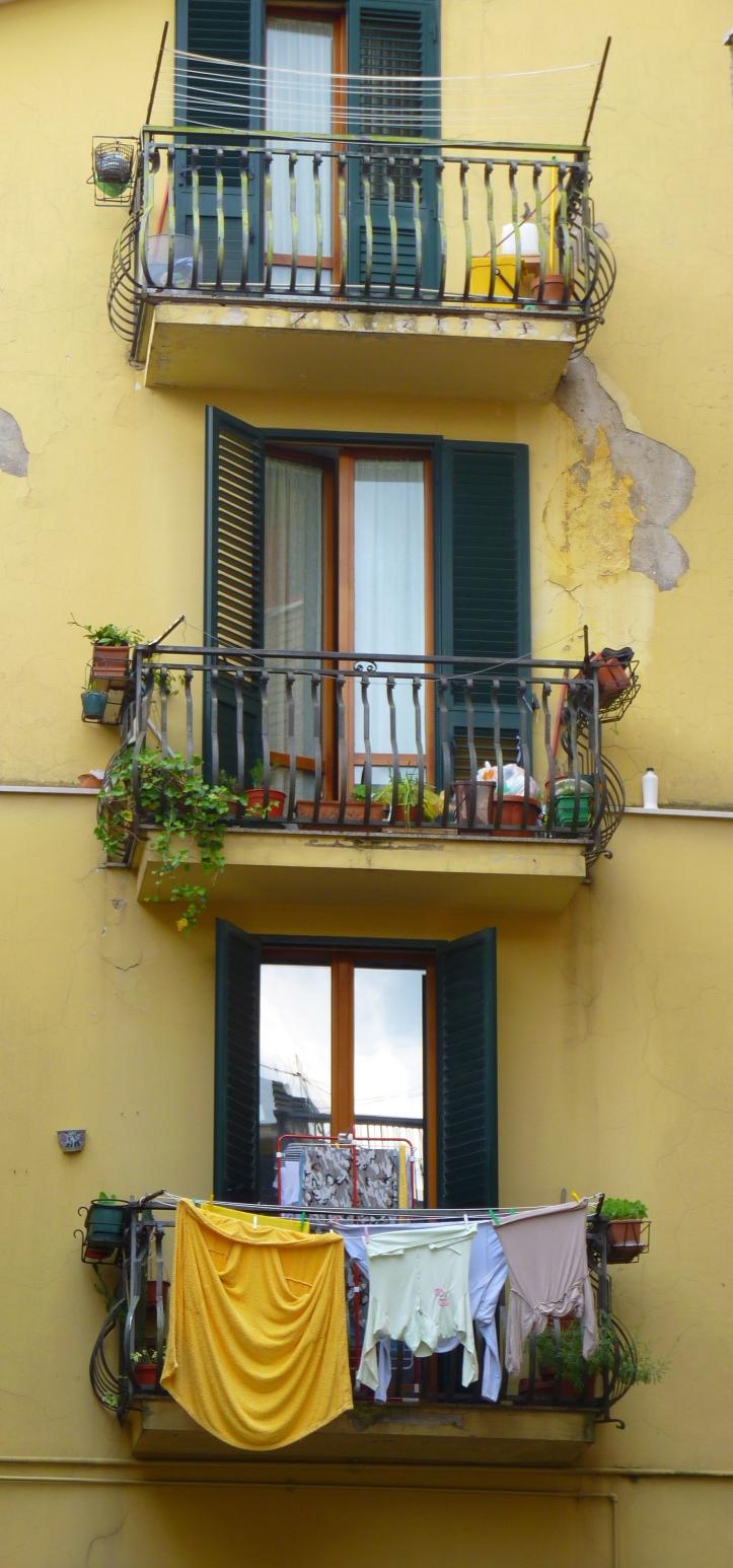 Italian style - bloemen en wasgoed