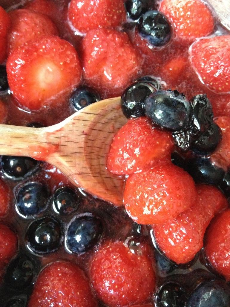 IJs - aardbeien/zwartebes