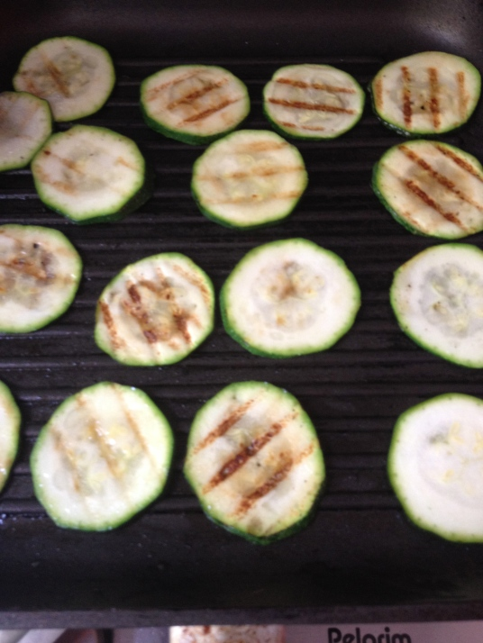Antipasti - gegrilde courgettes