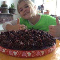 En klaar is de taart!